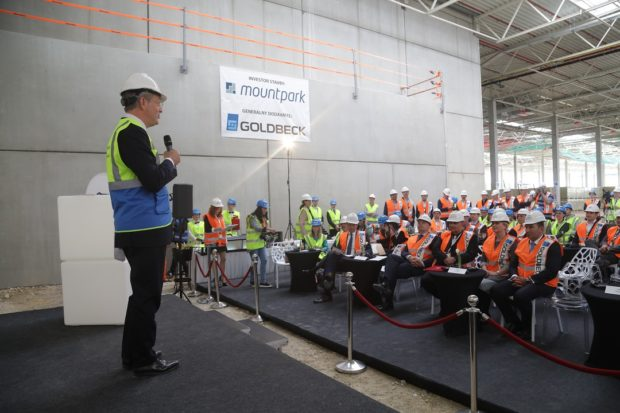 Amazon predstavil logistické centrum v Seredi