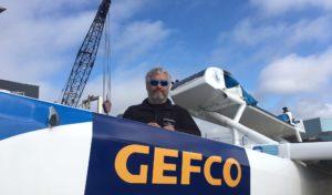 GEFCO pomáha navigátorovi Yvanovi Bourgnonovi