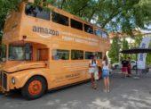 Amazon spustil náborovú kampaň s autobusom