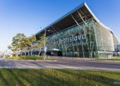 Vláda rozhodne o budúcnosti bratislavského letiska