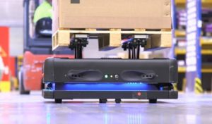 DB Schenker testuje autonómne logistické roboty