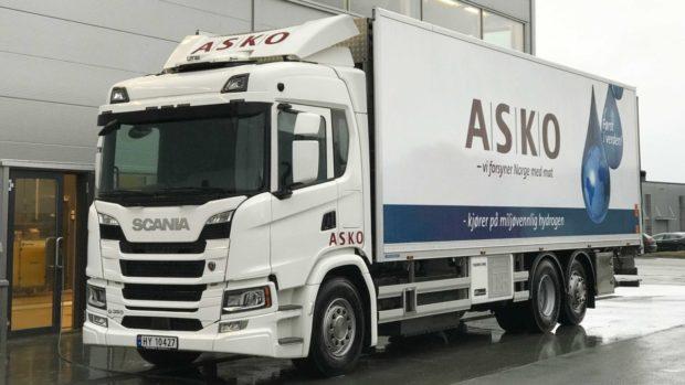 ASKO umiestňuje na cesty nákladné vozidlá Scania s elektrickým pohonom na vodíkové palivové články