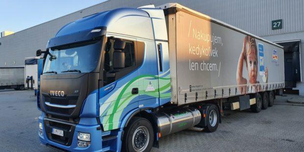 Spoločnosť dm drogerie testuje kamión na zemný plyn