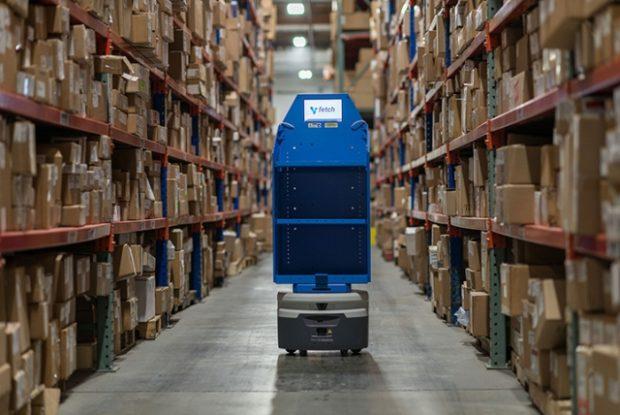 Autonómne roboty ušetria tisícky hodín neproduktívnej skladovej práce ročne