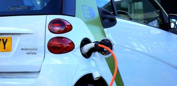 Novým partnerom dodávateľa autobatérií šitých na mieru InoBat Auto sa stala spoločnosť ČEZ