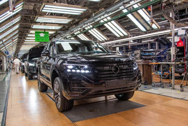 Vo Volkswagen Slovakia svieti zelená elektromobilite