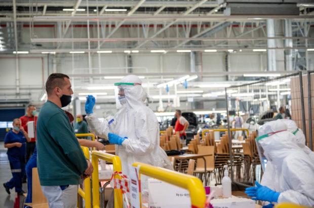 V automobilke Volkswagen Slovakia otestovali vyše 4000 zamestnancov
