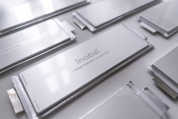 Spoločnosť InoBat Auto predstavila prvú inteligentnú batériu na svete