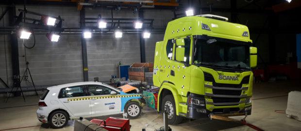 Nárazové skúšky elektrického nákladného vozidla firmy Scania