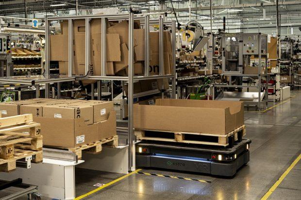 Roboty v oblasti priemyselnej internej logistiky