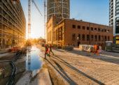 Pokles stavebnej produkcie sa v novembri spomalil na jednocifernú hodnotu