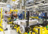 Volkswagen Slovakia čiastočne odstavil výrobu vozidiel pre nedostatok čipov, vlani mal obrat 9,75 miliardy eur
