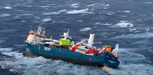 Opustená holandská nákladná loď Eemslift Hendrika je už pod kontrolou