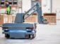 Mobile Industrial Robots prináša unikátne riešenie prepravy nákladných vozíkov MiR250 Hook