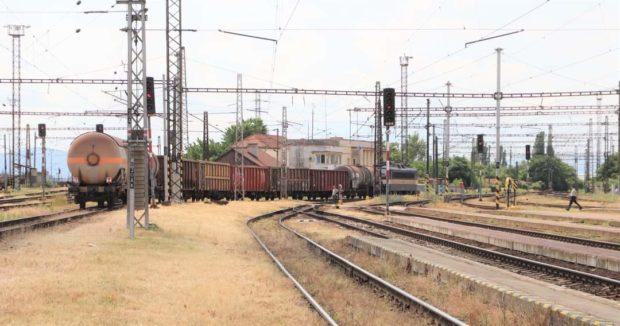 Prvý priamy nákladný vlak s desiatkou vozňov z Košíc do maďarského Miškolca