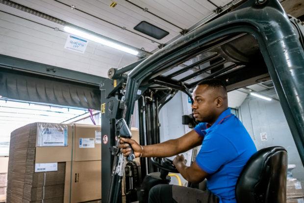 Automatizácia balenia predstavuje krok k väčšej efektivite a nižším nákladom