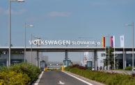 Volkswagen Slovakia preruší na dva týždne výrobu, zamestnancov čaká plánovaná celozávodná dovolenka